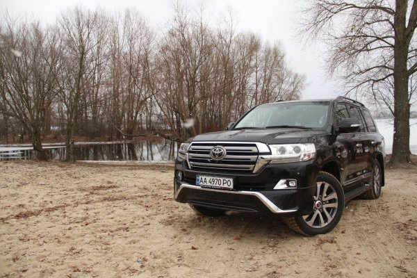 Мифы о Toyota Land Cruiser 200 развенчал эксперт
